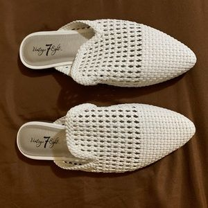 3 for $15 💥 size 9 Slip on Shoes White